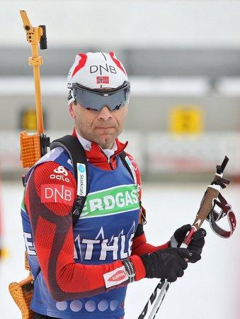 Nor Björndalen se chystá útočit na sto výher.