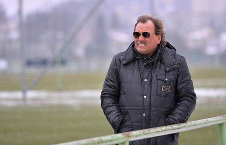 Ivan Horník dohlíží na tréninku Jablonce