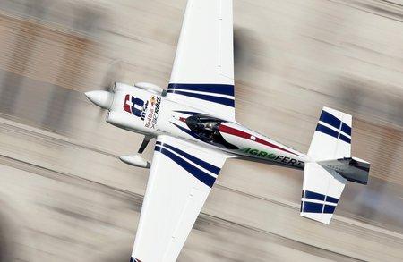 Martin Šonka patří k největším hvězdám letecké akrobacie