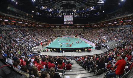 O2 Arena hostila MS ve florbale 2008 a šest ročníků Superfinále florbalu.