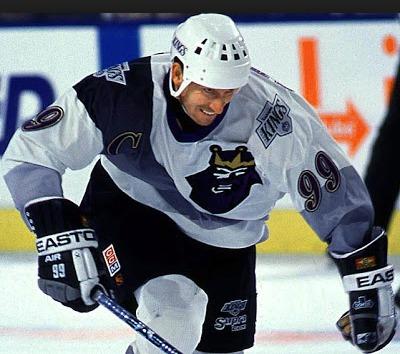 Wayne Gretzky se loučil v Los Angeles v jedněch z nejhorších dresů v historii NHL