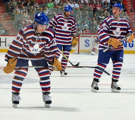 Montreal v sezoně 2009-10 zkusil vsadit na historii, napodobenina svetrů, které se dřív nosívaly místo dresů, se ale příliš nepovedla