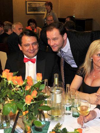 Na plese se předvedl také přítel Jiřího Paroubka Jiří Šlégr