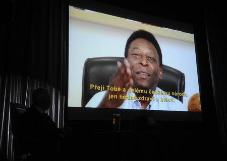 K narozeninám gratuloval i Pelé