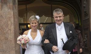Darina Johnová a Ivo Kaderka si řekli ANO na Staroměstské radnici v Praze.