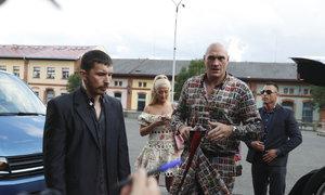 Hvězda světového boxu Tyson Fury dorazil převyprávět svůj poutavý životní příběh do Prahy