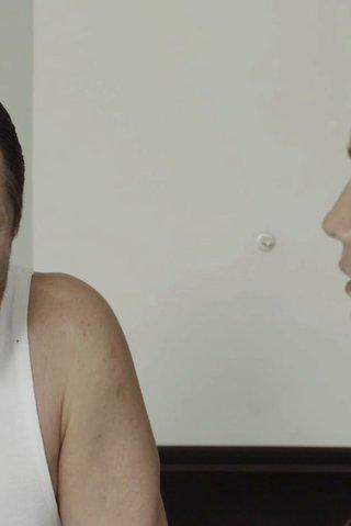 Kouč z Lajny jde dělat rozhovor: Je lepší starostlivá matka, nebo striptérka?