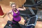 Tomu neuvěříte! Česká běžkyně závodí a cvičí i chvíli před porodem