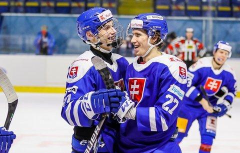 Slovenský útočník Andrej Kollár (vpravo) by se měl stát další posilou Komety
