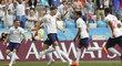 John Stones se spoluhráči slaví úvodní gól Angličanů proti Panamě