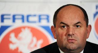 UEFA měla varovat Peltu: Korupci musí řešit disciplinárka