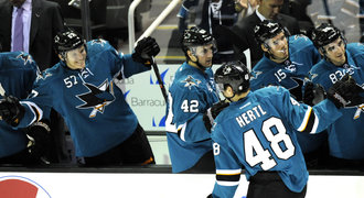 55 sekund... a Hertl dal gól! Sharks vyslal za pátou výhrou v řadě