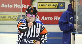 Uznávaný hokejový sudí Jeřábek promluvil o KHL: Přišel jsem o peníze!