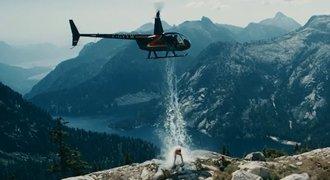 """""""Bizon"""" ovládl charitativní akci, vodu na něj svrhli z vrtulníku"""