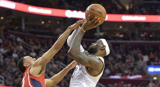 Cleveland rozstřílel trojkami Atlantu a má rekord NBA