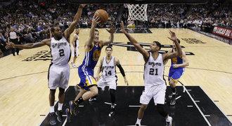San Antonio zastavilo vítěznou šňůru lídra NBA Golden State