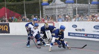 Hokejbalisté Kladna vyzvali na souboj hokejové kolegy. A vyhráli 4:1