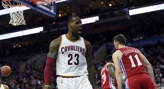 James jako nejmladší hráč překonal v NBA hranici 25 tisíc bodů