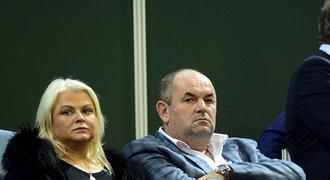 Fotbalový boss Pelta opět v akci: K manželce ulil majetek za 45 milionů!