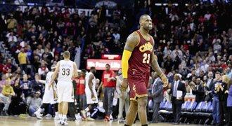 Jamesových 37 bodů nestačilo Clevelandu k výhře v New Orleans