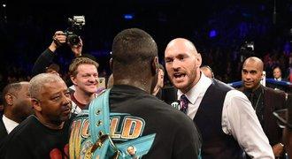 Boxer Fury zesměšnil rivala Wildera: Dvě miliardy mám já!