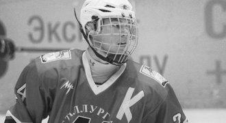 Ruský hokej smutní. Talentovaný Saša (†16) zemřel, zabil ho zásah pukem!