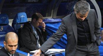 Bude zase válčit s Guardiolou? Mourinho je prý domluvený s United
