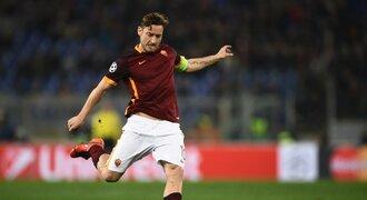 Na lavičce končit nechci, řekl Totti. Trenér ho vyřadil z nominace