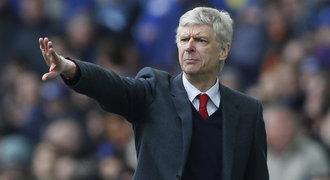 Ultimátum pro Wengera: Přiveď hvězdy, jinak v Arsenalu končíš