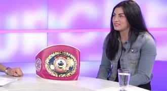 Boxerka Sedláčková v TAK URČITĚ: Kluci se sázeli, kdo mě v ringu sundá