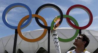 Rada olympionikům kvůli viru zika: Osm měsíců sex jen s kondomem