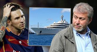Boss Chelsea Abramovič hostil na jachtě Messiho otce. Chystají senzaci?