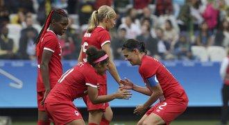 Olympiáda začala! Kanaďanky lámaly rekordy, Švédky slaví první výhru