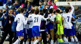 Víc gólů než Češi dalo i San Marino. Jsi k*rva hrdina, oslavovalo střelce