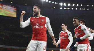 SESTŘIHY: Arsenal vyhrál, Giroud oslnil gólem. United řádili v závěru