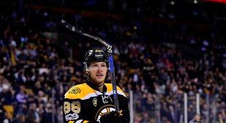 Bombarďák Pastrňák vystřílel Bostonu play off: Známe tajemství jeho klacku!