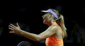 Šéf WTA Šarapovovou hájí, hráčky se do ní trefují: Dobře, že nebude v Paříži!
