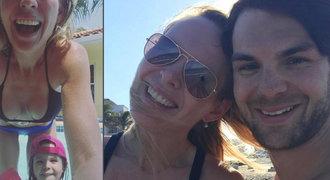 Kozí selfie? Nevadí! Kobzanová baví internet, rýpla si i do Frolíka
