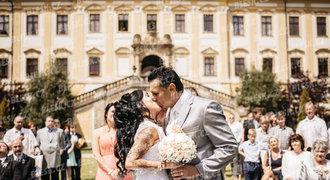 Trenér Růžička a jeho Marie rok po svatbě a narození dcery: Neklape jim to!