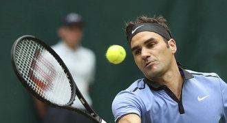 Federer ve finále zničil Zvereva, v Halle vyhrál podeváté v kariéře