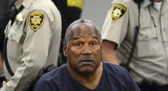 Amerika ve varu! Slavný fotbalista a vrah O. J. Simpson má šanci jít z vězení