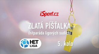 ZLATÁ PÍŠŤALKA: Sudí Ginzel nezvládl strkanici na Slovácku