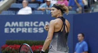 Šafářová s Hradeckou nezaváhaly, o postup do semifinále se utkají spolu
