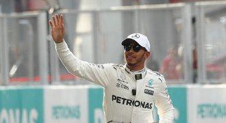 Hamilton ovládl kvalifikaci na Velkou cenu Malajsie, Vettel vyrazí jako poslední