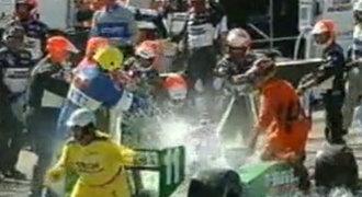 VIDEO: Pilot formule zažil peklo! Téměř uhořel!