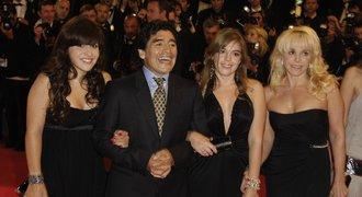 Maradona měl mít PĚT dětí, jenže přiznal pravdu: Potomků je mnohem VÍC