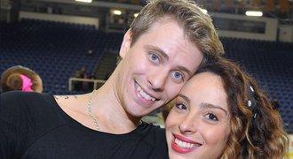 Americká manželka krasobruslaře Březiny nemá na olympiádu: Žadoní o peníze!