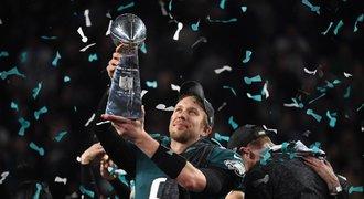Trejd roku i precizní obrany. Kdo má v NFC šanci na Super Bowl?