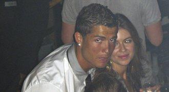 Ronaldo se ozval ke kauze znásilnění: Ona to chtěla! A proč jí zaplatil za mlčení?