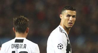 Liga mistrů ONLINE: Ronaldo s Juventusem vede na United, Džeko pálí za AS